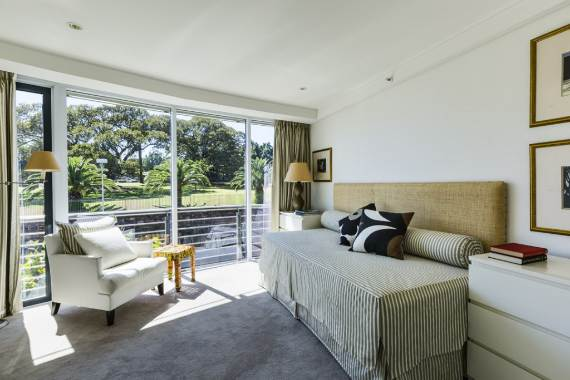 luxury-in-every-detail-extraordinary-opera-house-cbd-sydney-australia-3