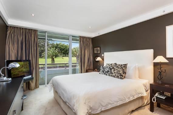 luxury-in-every-detail-extraordinary-opera-house-cbd-sydney-australia-5