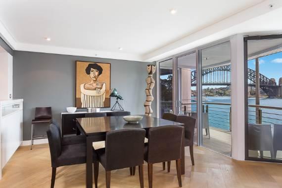 luxury-in-every-detail-extraordinary-opera-house-cbd-sydney-australia-6