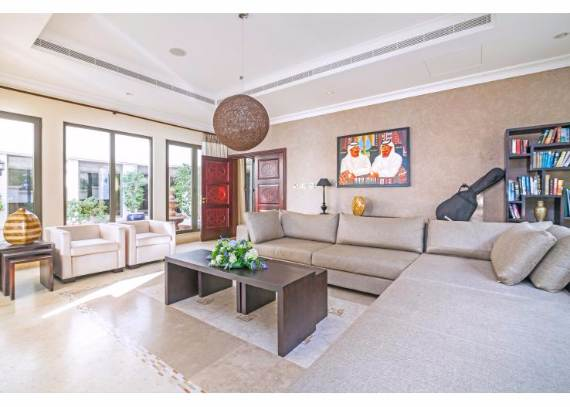 luxury-villa-that-offer-the-sweetest-escape-in-dubai-palm-island-mansion-7