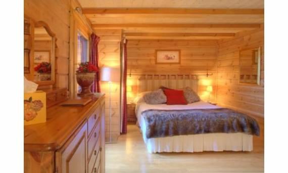 modern-holiday-home-chalet-johanna-tastefully-decorated-la-tania-1