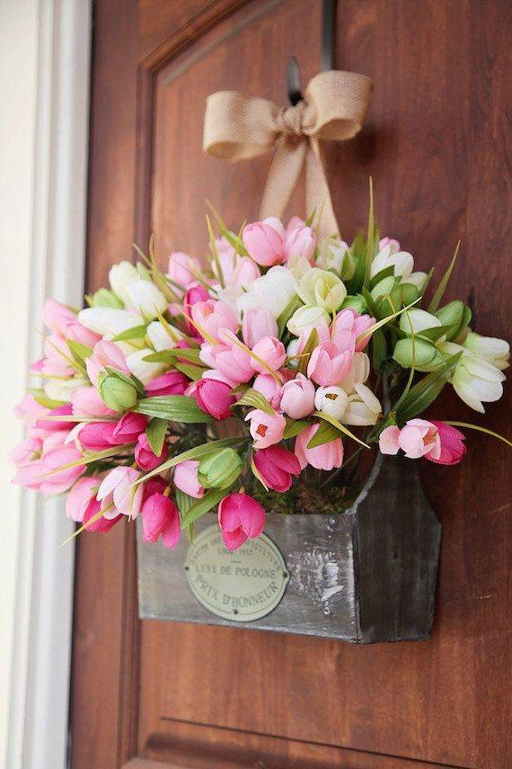 Simple-Spring-Flower-Arrangements-Table-Centerpieces-and-Mothers-Day-Gift-Ideas-9