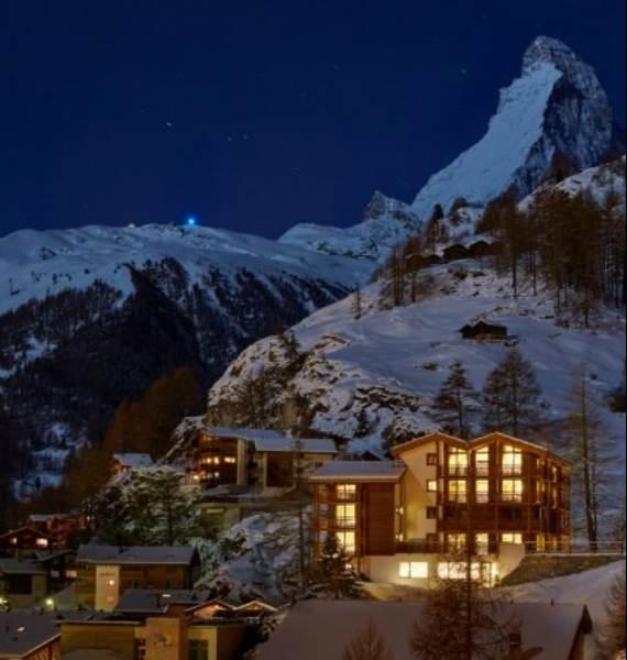 spectacular-chalet-in-switzerland-watching-over-the-iconic-zermatt-9