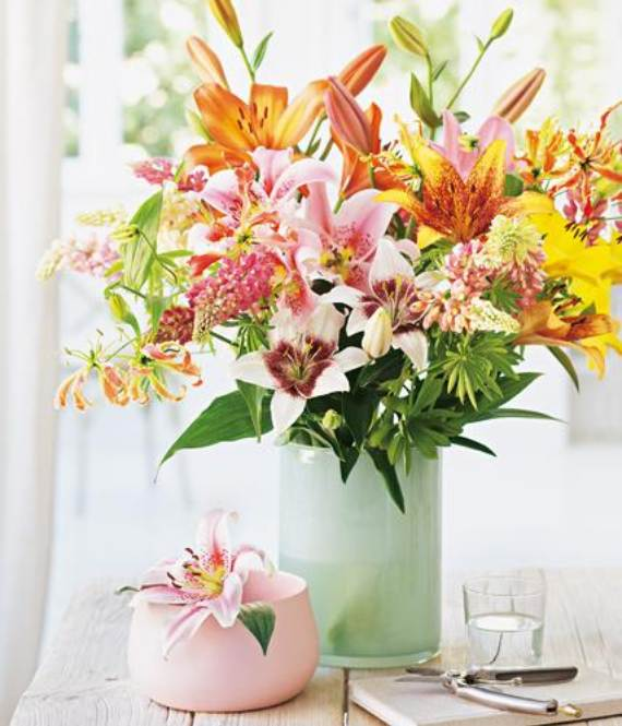 Spring-Flower-Arrangements-Table-Centerpieces-And-Mothers-Day-Gift-38