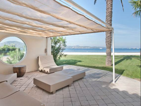 the-exclusive-cozy-breezy-villa-victoria-in-saint-tropez-23