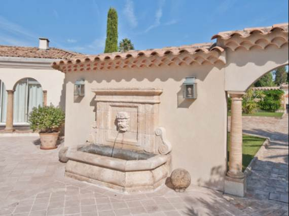 the-exclusive-cozy-breezy-villa-victoria-in-saint-tropez-25