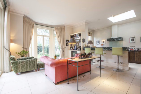 An Elegant and Spacious Apartment  in Chiswick London (11)