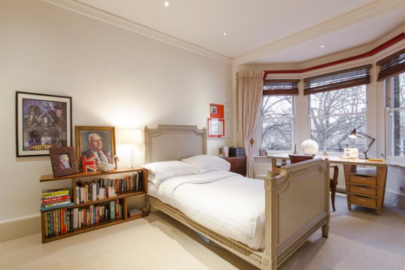 An Elegant and Spacious Apartment  in Chiswick London (15)