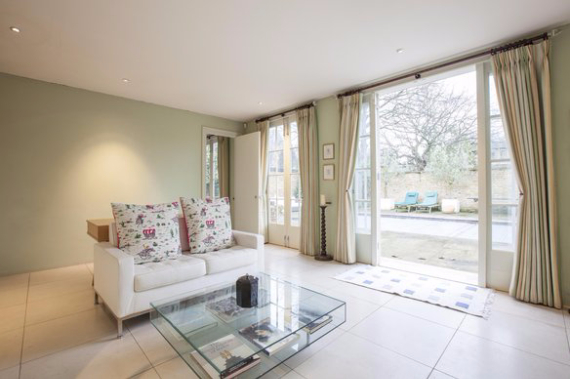 An Elegant and Spacious Apartment  in Chiswick London (5)