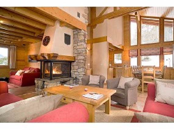 chalet-le-torrent-luxury-family-holiday-ski-chalet-located-in-la-tania-france-12