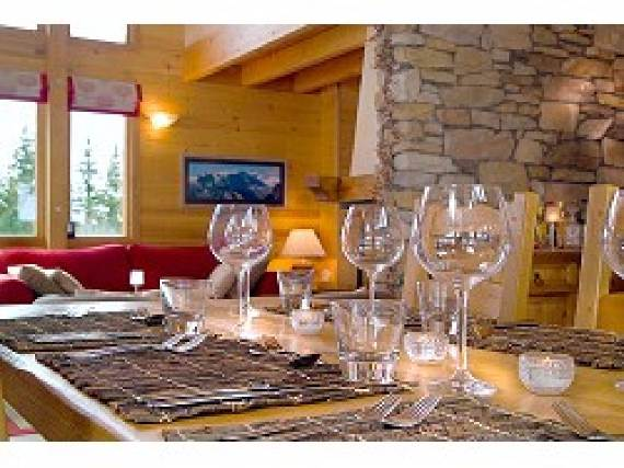 chalet-le-torrent-luxury-family-holiday-ski-chalet-located-in-la-tania-france-2