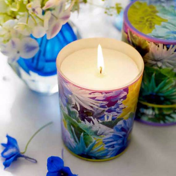 Decorative-Candles-and-Flowers-Cute-Mothers-Day-Gift-Ideas-3
