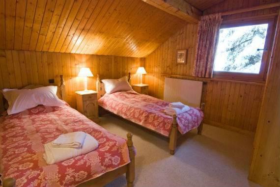 luxury-chalet-l%e2%80%b2ardour-family-holiday-skiing-meribel-france-12