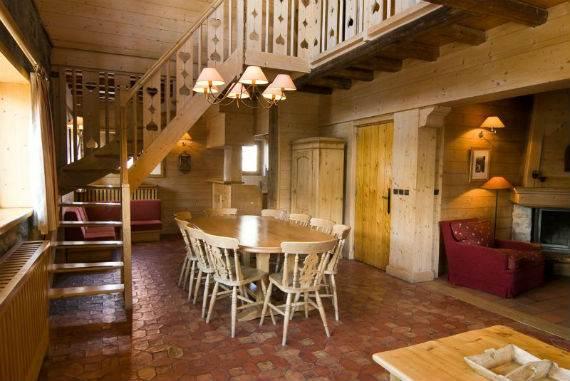 luxury-chalet-l%e2%80%b2ardour-family-holiday-skiing-meribel-france-9