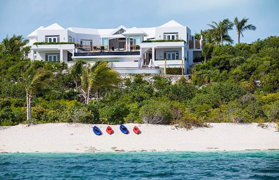 mothers-house-modern-holiday-ocean-villa-in-grand-turk-island-overlooking-the-caribbean-38