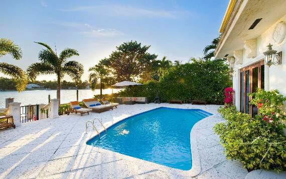 classy-and-elegant-miami-beach-villa-san-michele-1
