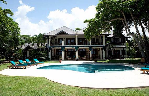 delightful-malatai-villa-displaying-an-elegant-caribbean-sea-view-22