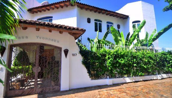 ideal-summer-get-away-chic-casa-yvonneka-villa-in-puerto-vallarta-mexico-17
