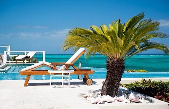opulent-holiday-retreat-overlooking-the-caribbean-stargazer-villa-turks-and-caicos-islands-15