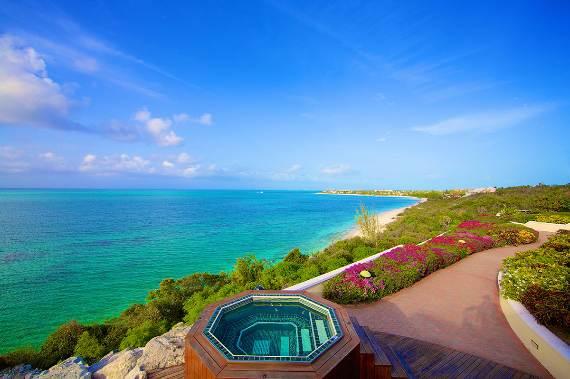 opulent-holiday-retreat-overlooking-the-caribbean-stargazer-villa-turks-and-caicos-islands-23