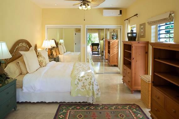 opulent-holiday-retreat-overlooking-the-caribbean-stargazer-villa-turks-and-caicos-islands-37