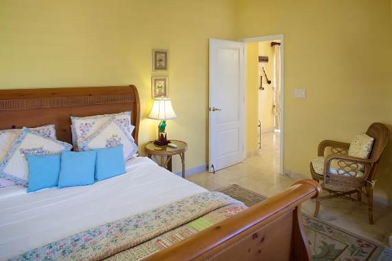 opulent-holiday-retreat-overlooking-the-caribbean-stargazer-villa-turks-and-caicos-islands-38