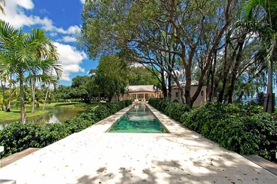 pink-cottage-exclusive-beachfront-garden-villa-rental-in-barbados-5