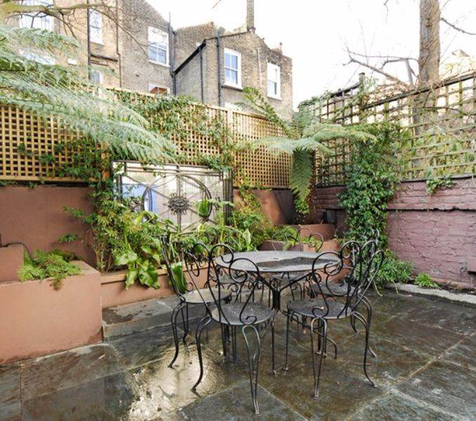 pink-lady-family-home-in-shalcomb-street-london-sw10-2