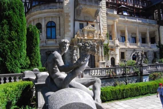 spectacular-peles-castle-in-romania-121