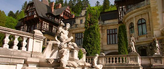 spectacular-peles-castle-in-romania-13