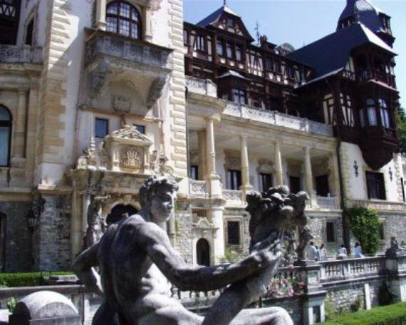 spectacular-peles-castle-in-romania-14