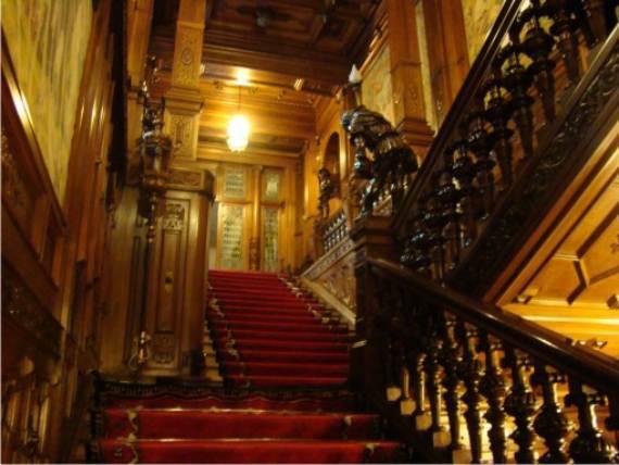 spectacular-peles-castle-in-romania-142
