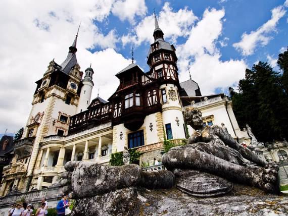 spectacular-peles-castle-in-romania-151
