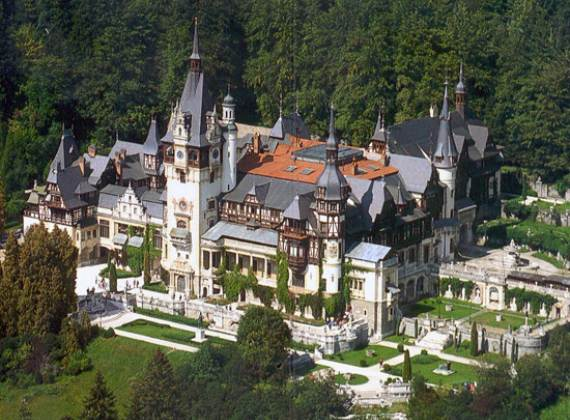 spectacular-peles-castle-in-romania-23