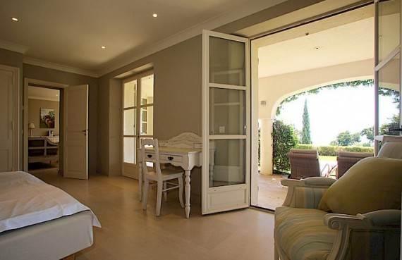 the-exclusive-cozy-breezy-villa-le-rayol-in-cote-dazur-saint-tropez-29