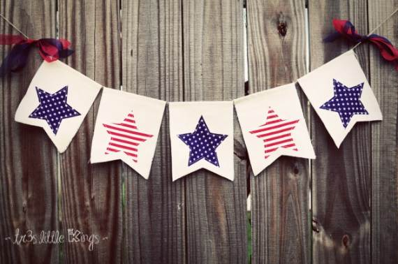 33-Front-Porch-Decorating-Ideas-for-the-4th-of-July-1