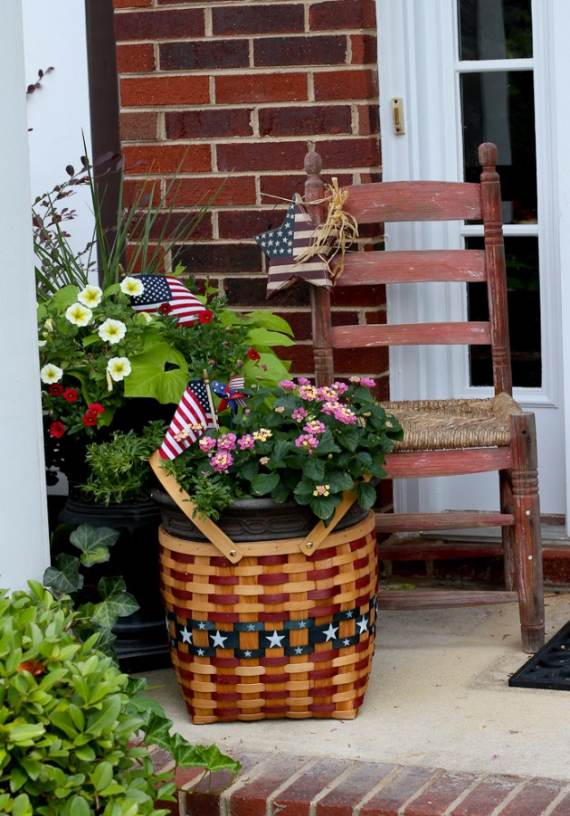 33-Front-Porch-Decorating-Ideas-for-the-4th-of-July-30