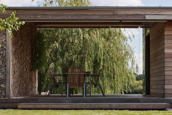 delightful-modern-lakefront-holiday-cottage-in-kapuv%d8%b7r-hungary-5