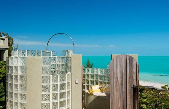 stunning-casa-varnishkes-private-beach-and-tennis-villa-on-long-bay-beach-12