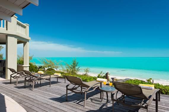 stunning-casa-varnishkes-private-beach-and-tennis-villa-on-long-bay-beach-15