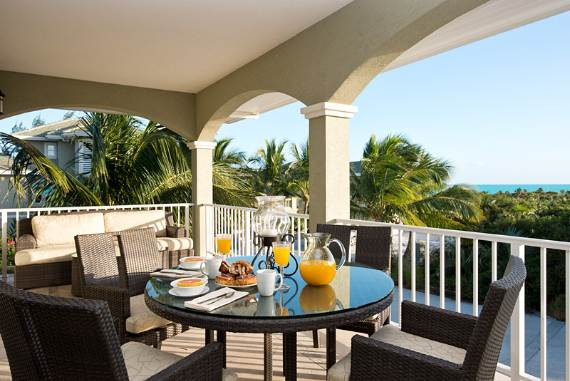 stunning-casa-varnishkes-private-beach-and-tennis-villa-on-long-bay-beach-20