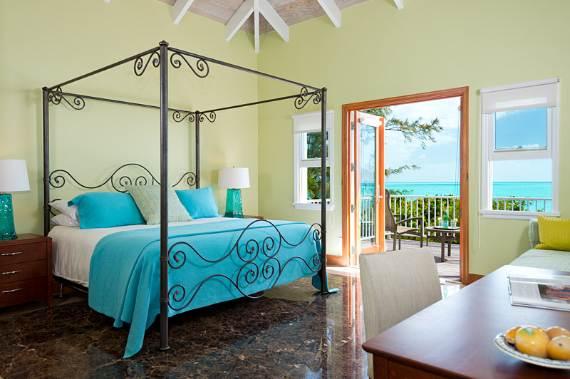 stunning-casa-varnishkes-private-beach-and-tennis-villa-on-long-bay-beach-24