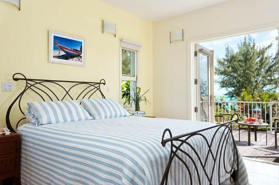 stunning-casa-varnishkes-private-beach-and-tennis-villa-on-long-bay-beach-25