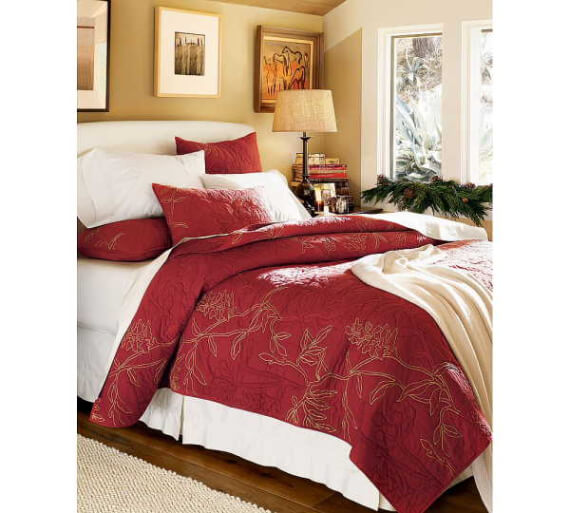 Elegant and Stylish Holiday Bedding Ideas For A Luxurious, Hotel-Like Bed (1)