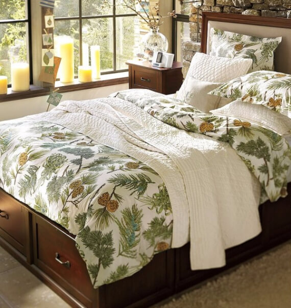 Elegant and Stylish Holiday Bedding Ideas For A Luxurious, Hotel-Like Bed (8)
