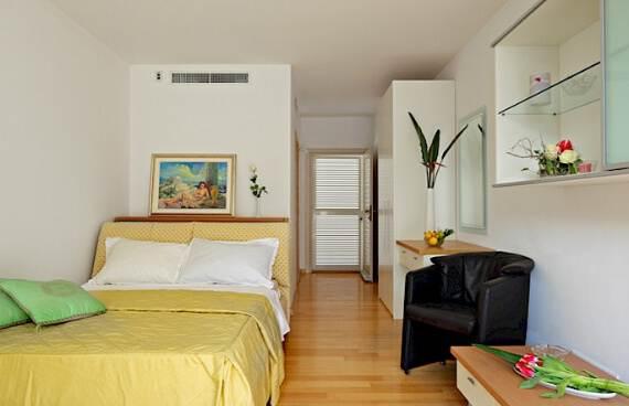 high-end-croatian-family-home-overlooking-the-adriatic-sea-saxum-villa-111