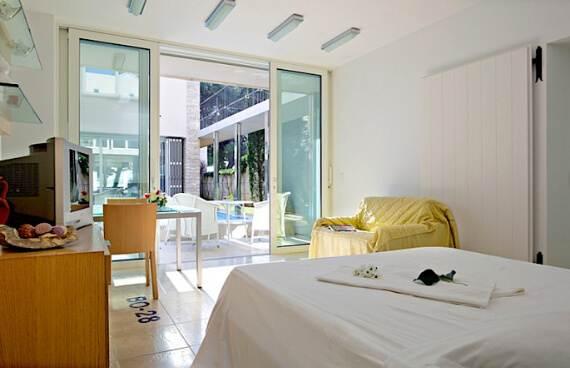 high-end-croatian-family-home-overlooking-the-adriatic-sea-saxum-villa-7