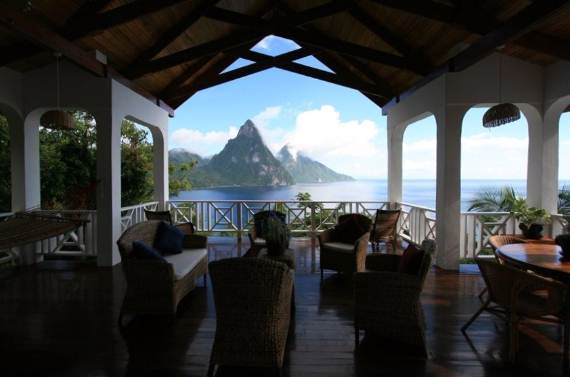 magnificent-villa-le-gallerie-exhibiting-the-best-location-on-saint-lucia-16