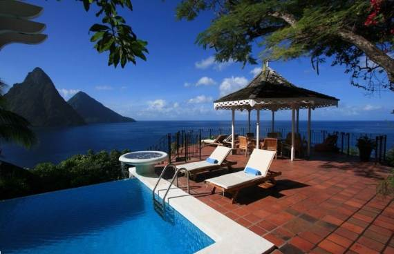 magnificent-villa-le-gallerie-exhibiting-the-best-location-on-saint-lucia-17