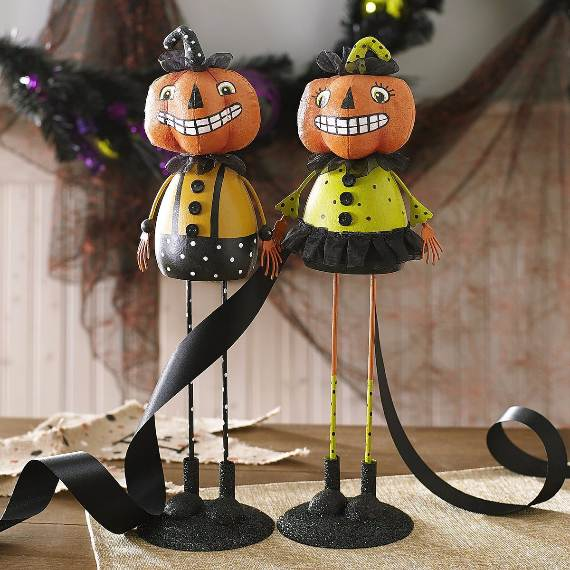 55-Halloween-Decorating-Ideas-Eerie-Elegance-24